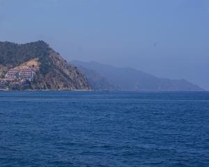 Catalina coming into harbor 5