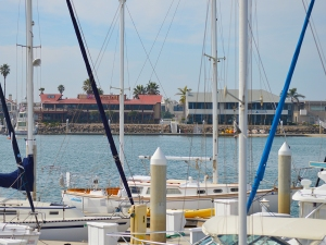 Oxnard harbor across from restuarants