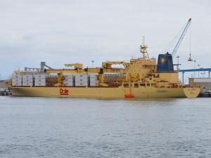 Dock-Dole Boat