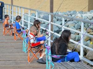 Dock-Kids fishing