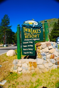 Twin lakes resort