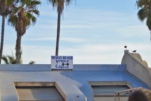VB-Muscle Beach sign