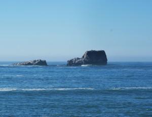Cambria- Rocks out to sea