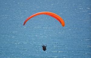 LJ Lone parasailer