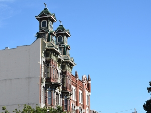 Paniq Building Victorian