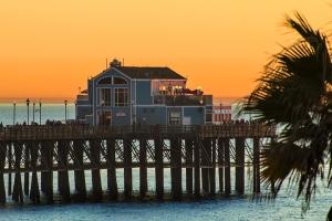 Pier sunset G 900