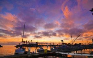 Clouds harbor 2