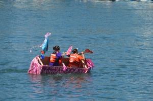 pink-boatleaning