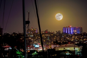 moon-over-city-gg-1000-for-wp
